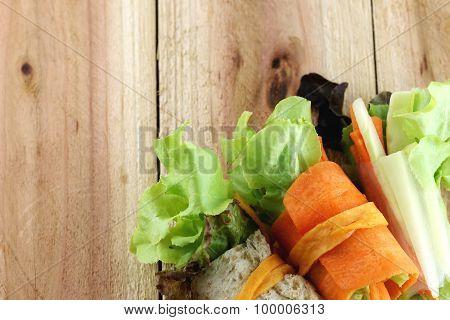 Roll Salad.