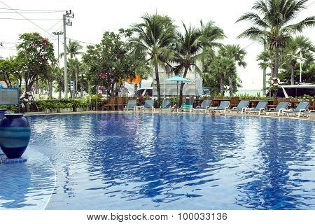 Swimming-pool with clear turquoise water