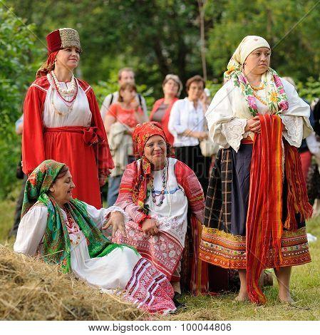 Orel, Russia - June 19, 2015: Orlovskaya Mozaika Music Fest: Girls And Women In Traditional Russian