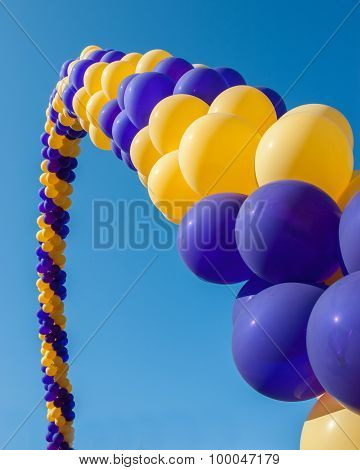 Gateway balloons of welcome