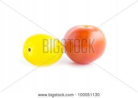 Fresh Tomatoes With Red And Yellow Color