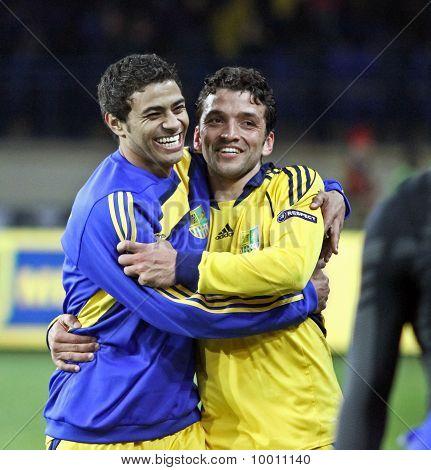 Cleiton Xavier (l) And Edmar (r)