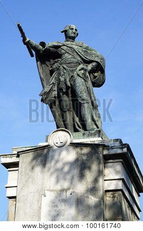 Hero Monument At Riza Park In Manila