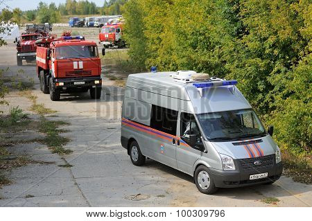 Orel, Russia - August 28, 2015: Russian Emergency Control Fire Engines Coming To Fight Fire