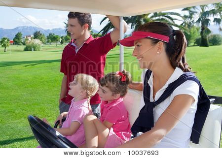 Golf Course familia padre madre hijas Buggy