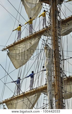 The Sailors Of The Arc Gloria On The Masts