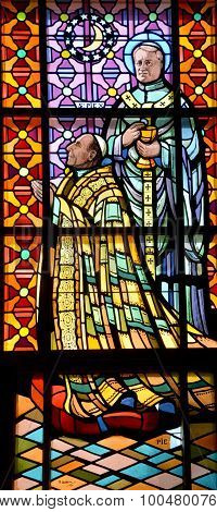 Stained galss window of Saint-Michel Basilica