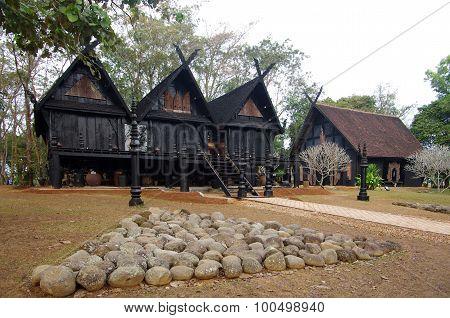 Baan Si Dum In Chiang Rai, Thailand
