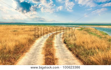 Meandering road to sea