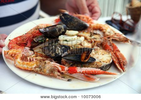 Lunch of Mixed Seafood