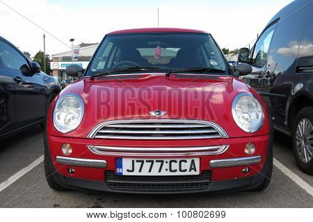 YORK UK - CIRCA AUGUST 2015: red Mini Cooper car (new model produced from 2013 onwards)