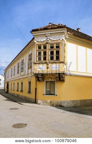 ?orner House