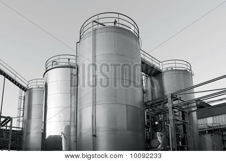 Tank farm with pipeline #8