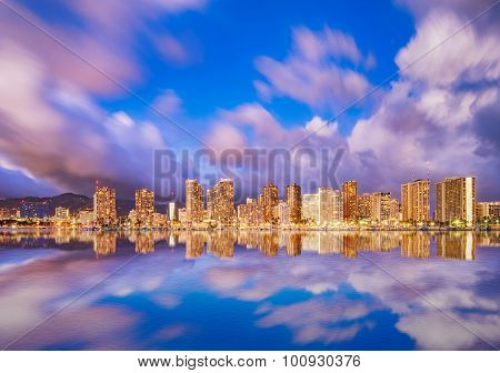 Beautiful Hawaii skyline and reflection at twilight