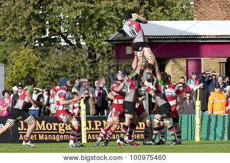 TWICKENHAM, ENGLAND. 17 SEPTEMBER 2011. Gloucester's Dave Lyons, wins a lineout during the Aviva premiership rugby union match between Harlequins and Gloucester played at The Stoop Twickenham.