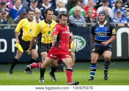 BATH, ENGLAND. 10 SEPTEMBER 2011  Saracen's Charlie Hodgson, in action during the Aviva Premiership match between Bath and Saracens at the Recreation Ground Bath England.