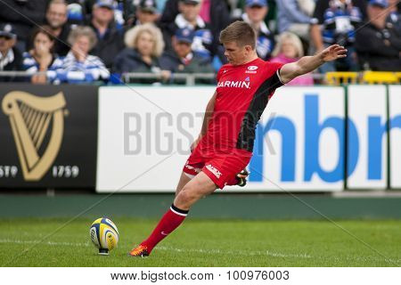 BATH, ENGLAND. 10 SEPTEMBER 2011  Saracen's Owen Farrell, in action during the Aviva Premiership match between Bath and Saracens at the Recreation Ground Bath England.