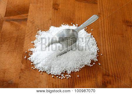 scoop of coarse sea salt