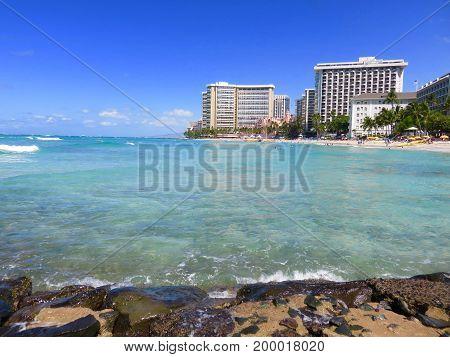 Paradise at Beautiful Waikiki Beach, Honolulu, Hawaii - Swimming, Beach,  Hotels, Mountains, Palm Trees