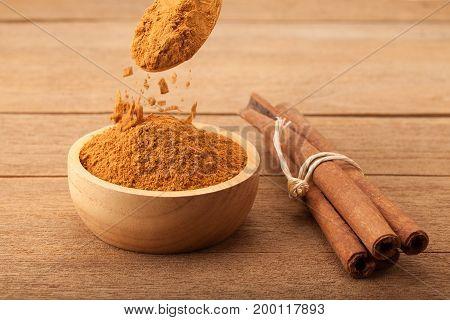 Cinnamon Stick And Cinnamon Powder