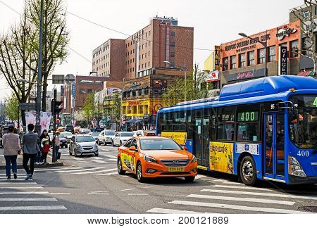 Seoul, Korea - April 08, 2017: Traffic Street View Itaewon Town In Seoul. Itaewon Is Widely Known As