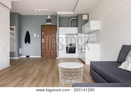 Studio Flat With Small Kitchen
