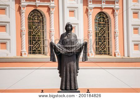 Grodno, Belarus. Statue Of Mary, Mother Of Jesus Near Cathedral Of The Intercession Of The Most Holy Theotokos. Pokrovsky Cathedral Or The Cathedral In Honor Of The Protection Of The Blessed Virgin