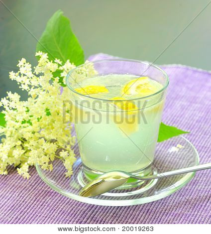 elderflower juice with lemon