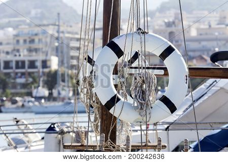 A safety lifeline closeup on a yacht in port