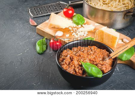 Cooking Pasta Bolognese