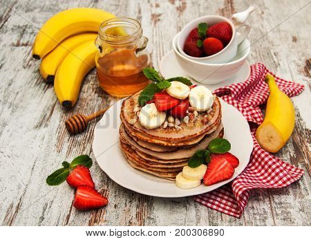 Pancakes With Strawberries And Bananas