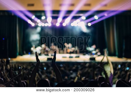 Concert Scene Lights Spectators Hands Applause Full House