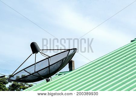 tv, antenna, satellite, roof, isolated, white, aerial, home, digital, dish, background, sky, technology, television, old, reception, blue, antennas, space, equipment, communication, cable, signal, radio, broadcast, receiver, house, media, broadcasting, te