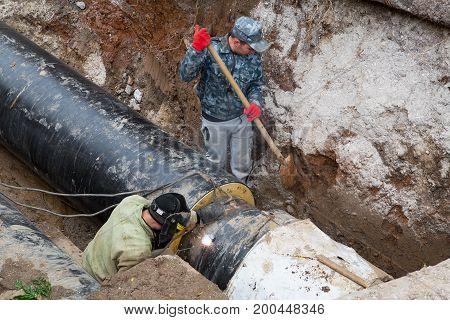 Odessa, Ukraine - October 11, 2016: Repair Of City Water Supply. Replacement Of Old Rusty Metal Pipe