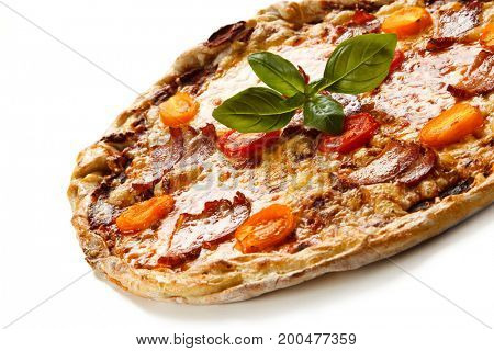 Pizza with bacon and vegetables