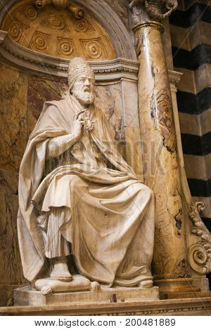 Statue Of Pope Marcellus Ii In Siena Cathedral, Italy