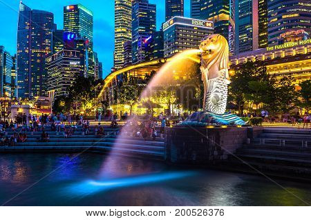 SINGAPORE - AUG 8 2017 : Merlion statue and cityscape in Singapore.