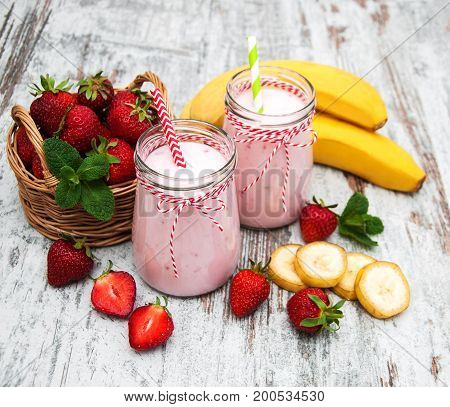 Yogurt With Strawberries And Bananas