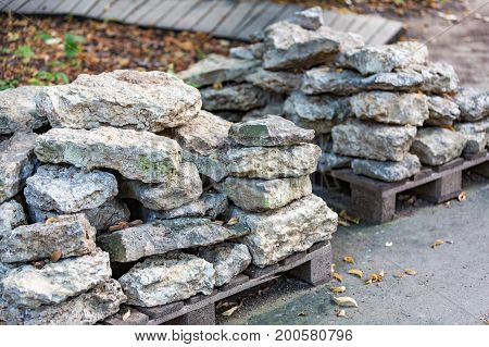 Facing Stones On A Pallet