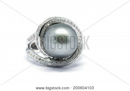 Closed Up Dark Pearl With Diamond And Platinum Ring