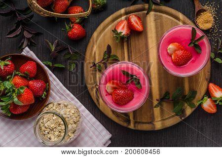 Strawberries Puddink Photo