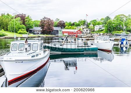 Camden, Usa - June 9, 2017: Empty Marina Harbor In Small Village In Maine During Rain With Boats And