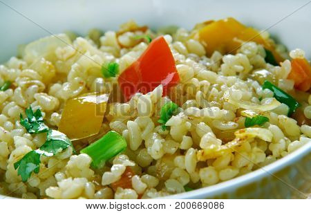 Armenian Bulgur Pilaf Salad - Itch. close up meal