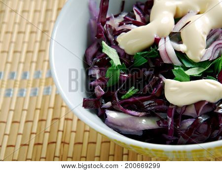 Light  Creamy Coleslaw