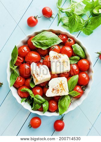 Baked Tomatoes And Cheese