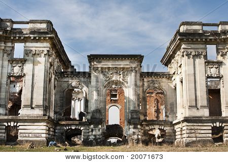 Copy of Petite Trianon in Romania, ruined castle