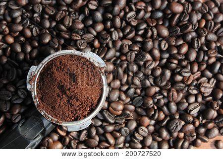 full coffee dispenser on coffee beans (coffee, powder)