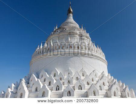 The White Pagoda Of Hsinbyume (mya Thein Dan Pagoda ) Paya Templ.