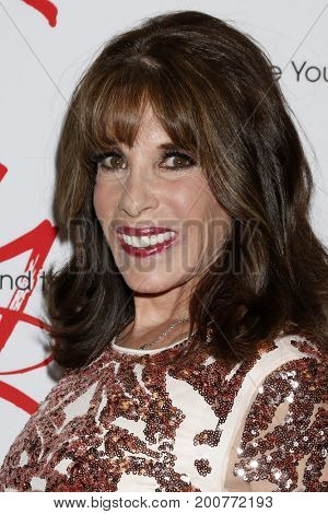 LOS ANGELES - AUG 19:  Kate Linder at the Young and Restless Fan Event 2017 at the Marriott Burbank Convention Center on August 19, 2017 in Burbank, CA
