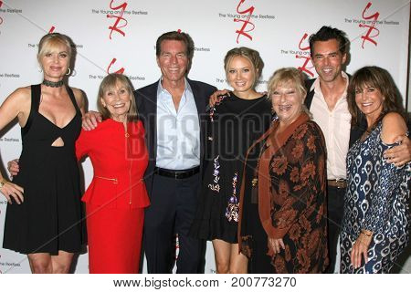 LOS ANGELES - AUG 19:  Abbott Family members, Jess Walton at the Young and Restless Fan Event 2017 at the Marriott Burbank Convention Center on August 19, 2017 in Burbank, CA